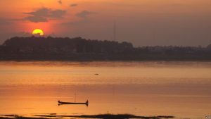 The Mekong River flows by Vientiane, Laos. (R. Corben for VOA)